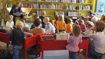 Beliebt sind in der Zentrumsbibliothek Mutschellen die Anlässe für die Kleinsten, wie zum Beispiel die «Gschichte-Chischte».