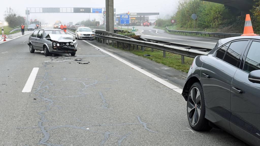 Drei Unfälle führen zu Stau und zwei Verletzten