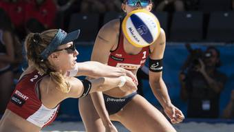 Nina Betschart (links) und Tanja Betschart - im Bild während des erfolgreichen Heimturniers Mitte Juli in Gstaad (4. Rang) - stehen am Major-Turnier in Wien in den Viertelfinals