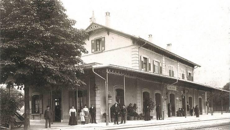 So sah das Bahnhofgebäude vor 100 Jahren aus. zvg