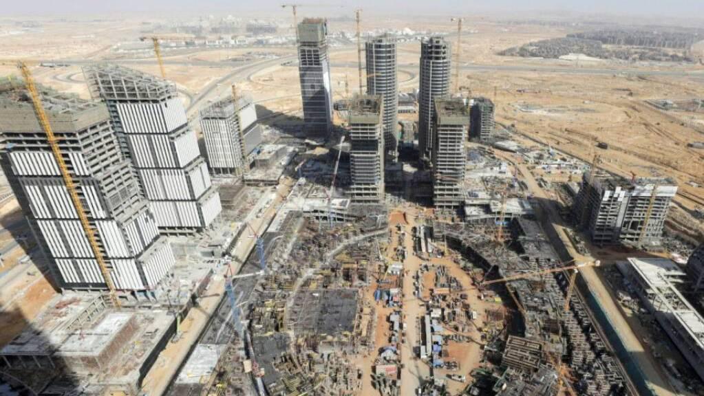 Der Lift- und Rolltreppenbauer Schindler hat in Ägypten einen Grossauftrag an Land gezogen. Schindler liefert für den Bau von sechs Bürotürmen in der neuen Hauptstadt nahe Kairos insgesamt 129 Aufzüge.(Bild der Firma)