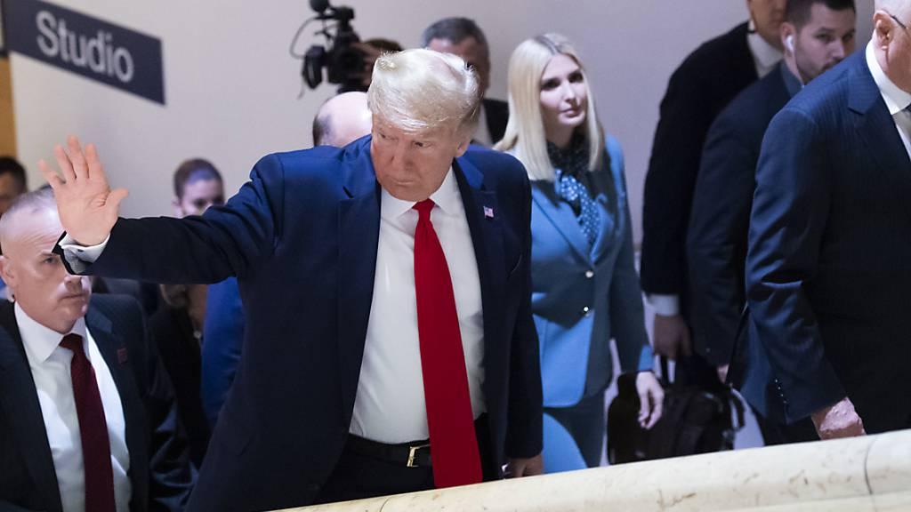 US-Präsident Donald Trump mit seiner Tochter Ivanka und WEF-Gründer Klaus Schwab am diesjährigen WEF in Davos.