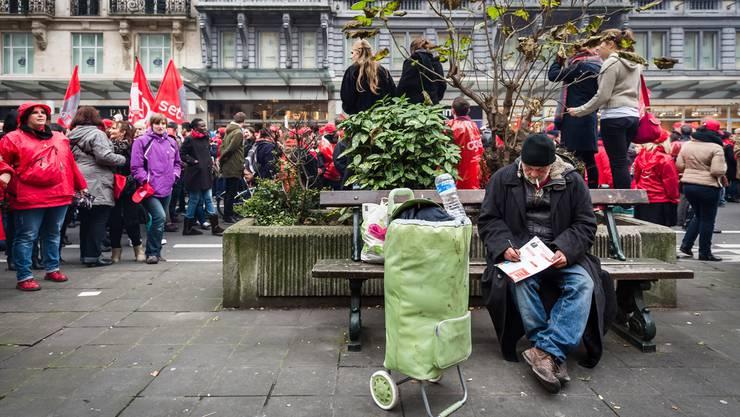 Ein Obdachloser in den Strassen von Brüssel: Wie viele es gibt, kann niemand genau sagen. GEERT VANDEN WIJNGAERT/AP/Key