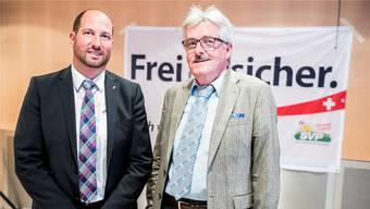 Dominik Straumann (links) sucht einen Nachfolger für das SVP-Fraktionspräsidium im Landrat. Straumann hat seinerseits kürzlich das Kantonalparteipräsidium von Oskar Kämpfer (rechts) übernommen.