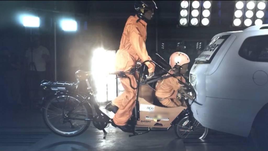 Crashtest: Cargo-Bikes können zur tödliche Falle für Kinder werden