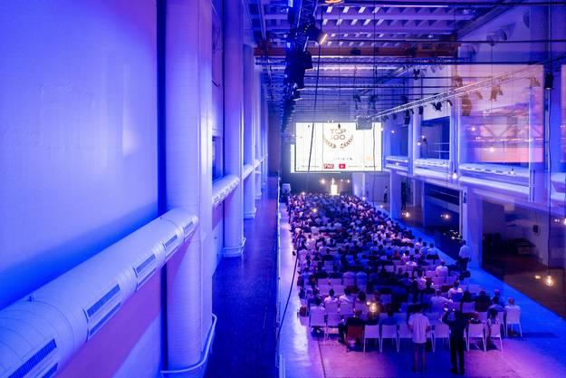 Bereits die Bekanntgabe der besten 100 Startups fand in der ehemaligen Druckerei statt. Der erste Grossanlass in den Hallen.