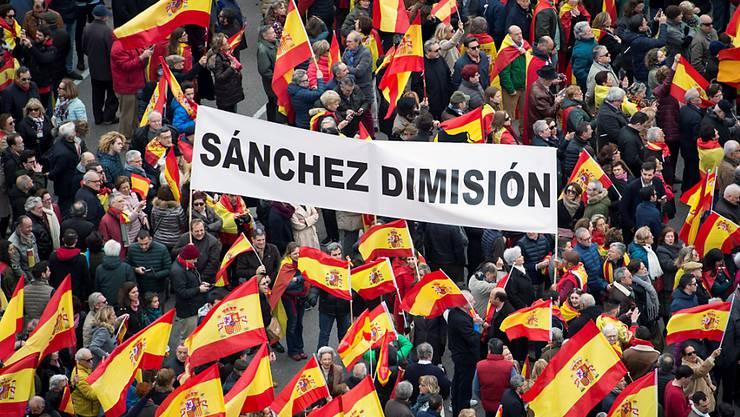 45000 Menschen gingen am Wochenende in Madrid auf die Strasse, um gegen die Regierung zu protestieren.