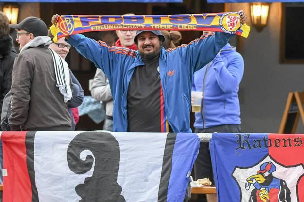 Auch einige Fans standen am Spielfeldrand.