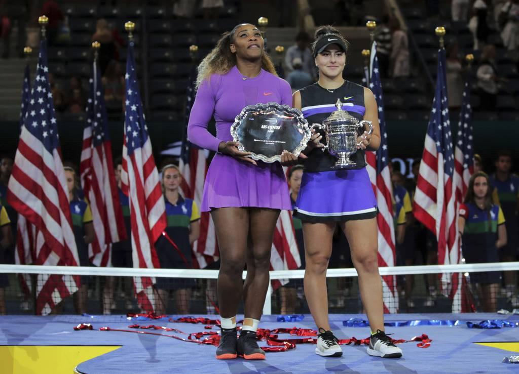 Serena Williams (links) konnte dem grossen Druck nicht standhalten. (© Keystone)