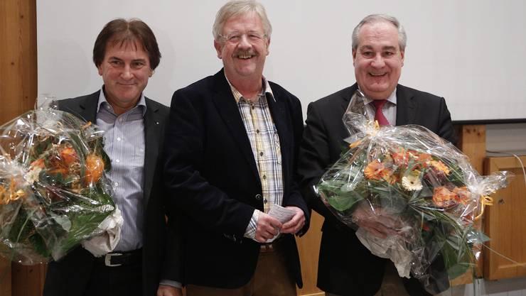 Stadtbaumeister Claude Barbey (mitte), der selber im Frühjahr auch in Rente geht,  verabschiedete Stapi Boris Banga (rechts) und Vize Hubert Bläsi.