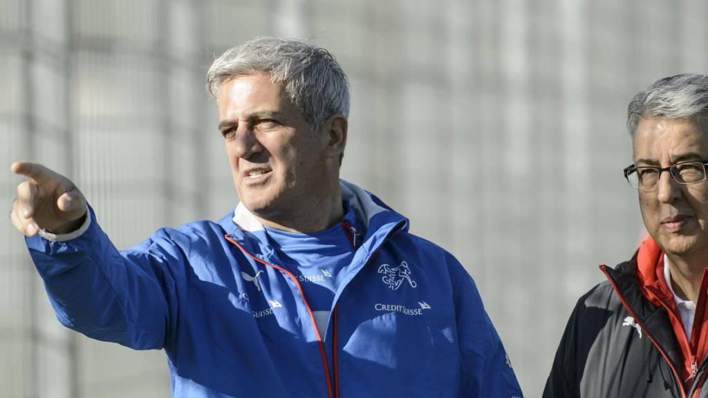 Nationalcoach Petkovic (links) weist den Weg - in eine positive Zukunft?