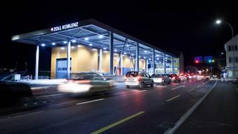 Am Grenzübergang in Koblenz verhaftetet die Kantonspolizei vier mutmassliche Kriminaltouristen. (Symbolbild)