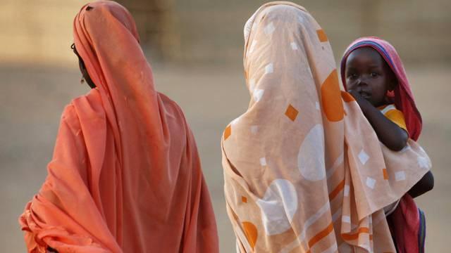 Unter den Opfern der Stammeskämpfe in der Krisenregion Darfur sind viele Frauen und Kinder (Archivbild)