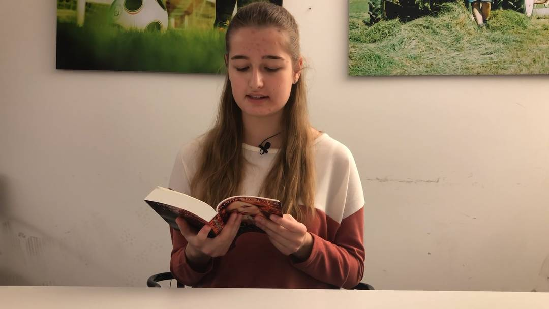 Ladina Decurtins liest aus ihrem Buch «Die Königstochter von Elionor»