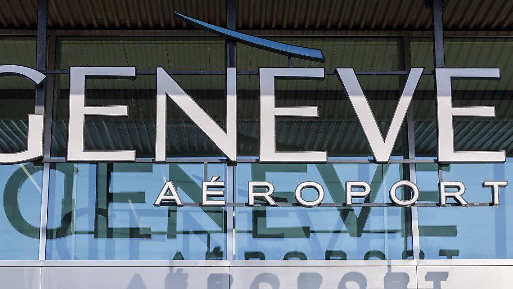 Am Genfer Flughafen sind am Mittwoch wegen des Verdachts auf Korruption mehrere Hausdurchsuchungen durchgeführt worden. (Archivbild)