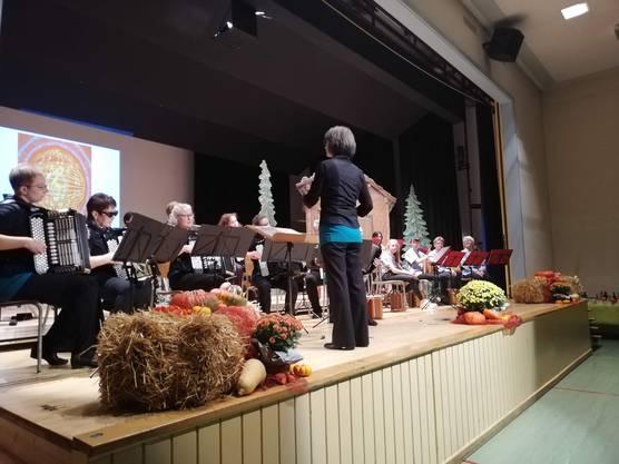 Orchester unter Leitung Priska Herzog