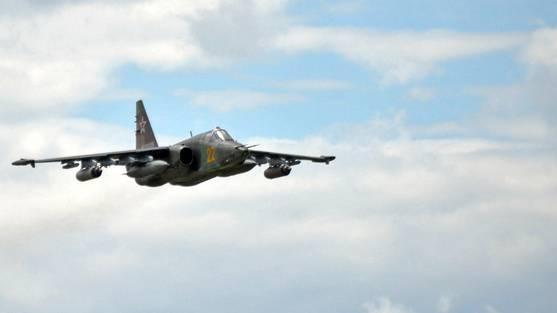 Eine Suchoi-25 der russischen Armee - beim abgeschossenen ukrainischen Flugzeug handelt es sich um eine typähnliche  Maschine.