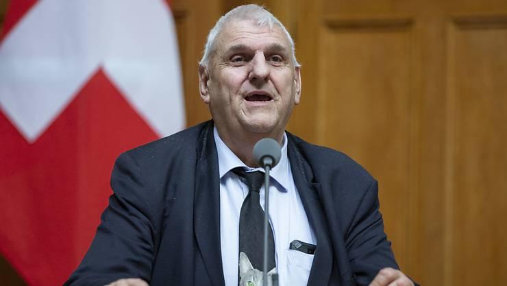 Er ist der erste Grüne Parlamentarier Europas: der Waadtländer Nationalrat Daniel Brélaz. Sein Markenzeichen ist die Katzen-Krawatte. (Archivbild)