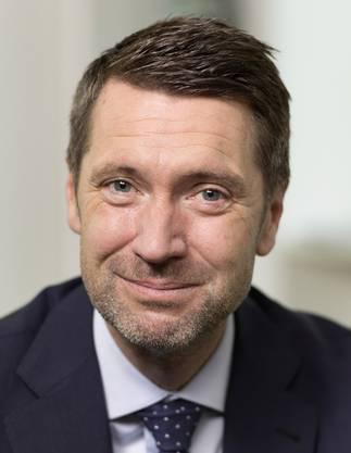 Dr. oec.; von 2004 bis 2016 Staatsschreiber des Kantons Aargau, ab 2012 bis 2016 Präsident der Schweizerischen Staatsschreiberkonferenz. Seit April 2016 Direktor des Think-Tanks «Avenir Suisse».
