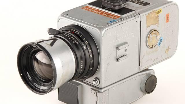 Die Hasselblad, die 1971 auf dem Mond war, kostete 660'000 Euro