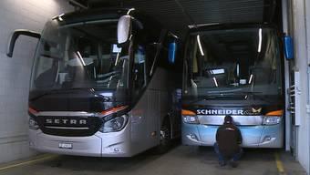 Das Solothurner Carunternehmen demontiert Nummernschilder, um an Fixkosten zu sparen