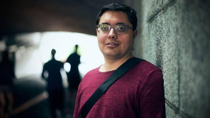 Hat dunkle Zeiten erlebt: Ex-Islamist K. C., 35, unter der Mittleren Brücke in Basel.