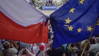Wegen der Sorge um die Rechtsstaatlichkeit in Polen hat die EU-Kommission gegen das Land auch ein politisches Strafverfahren eingeleitet. (Symbolbild)