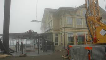 Uetliberg: Rückbau des illegalen Glaspavillons des Hotel Uto Kulm.
