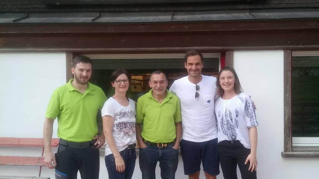 Roger Federer wandert im Alpstein