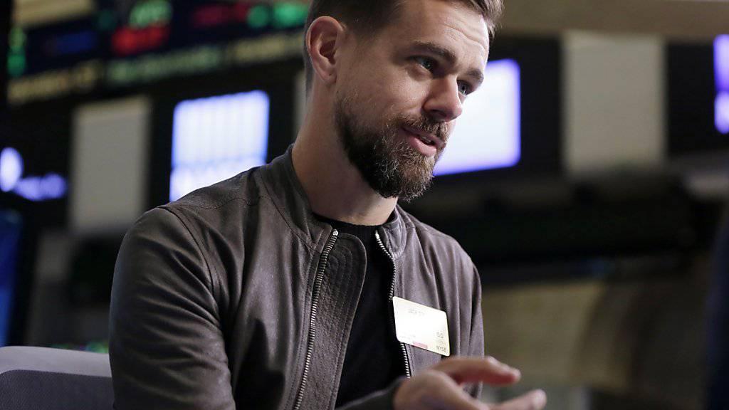 Twitter-CEO Jack Dorsey: «Da Twitter in der Öffentlichkeit und in Echtzeit stattfindet, stellte es uns vor einige Herausforderungen, mit missbräuchlichem Verhalten Schritt zu halten und es einzudämmen». (Archiv)
