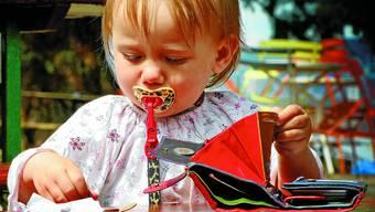 Gefährdet Kinder und Alleinerziehende sind bei den Sozialhilfebeziehenden besonders stark vertreten. (Archiv: AZ)