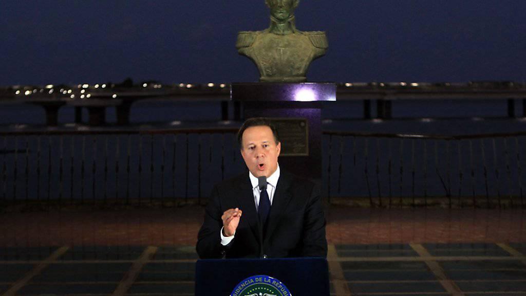 Panamas Präsident Juan Carlos Varela wandte sich am Mittwochabend in einer Rede an die Nation. Er kündigte dabei eine Untersuchung des Finanzplatzes an.