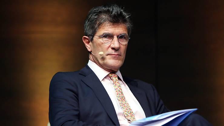 Der Chef der Genfer Privatbank Lombard Odier, Patrick Odier, muss ein durchzogenes Ergebnis im ersten Halbjahr bekannt geben: Die verwalteten Vermögen stiegen zwar, aber der Gewinn schrumpfte. (Archiv)