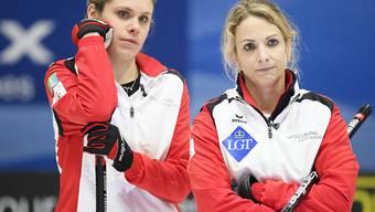 Ernüchterung für Silvana Tirinzoni (rechts) und Manuela Siegrist zu Beginn des Olympia-Turniers