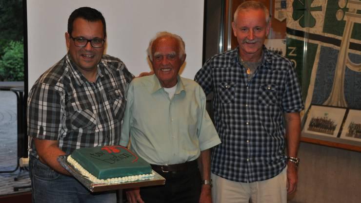 Torte zum 75. TSVB-Jubiläum vom Gemeinderat Berikon
