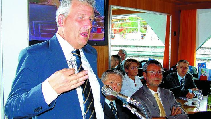 Kämpferisch: Hans Stöckli, Verwaltungsratspräsident der BSG, setzt sich an der Generalversammlung für die Schifffahrt auf den drei Jura-Seen ein. (uz)
