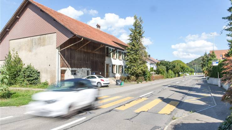 Soll nicht einfach ersatzlos aufgehoben werden: der Fussgängerstreifen Grütstrasse in Schafisheim.archiv claudio thoma
