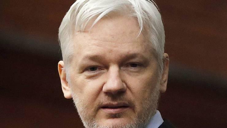 Julian Assange will sich am 14. November einem Verhör zu den Vergewaltigungsvorwürfen einer Schwedin stellen. (Archivbild)