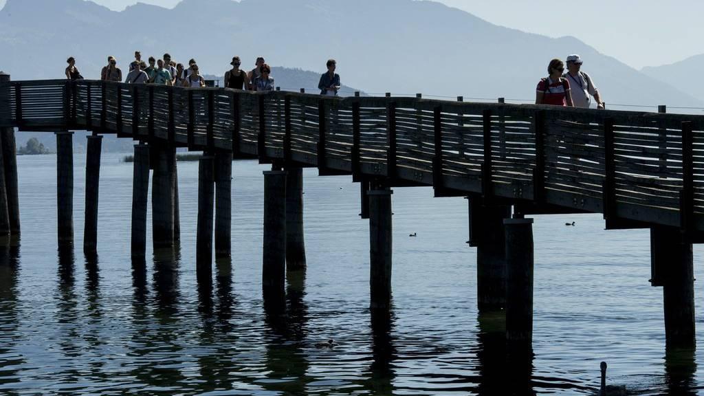 Aus für die tägliche Schiffsrundfahrt auf dem Obersee. Die Gemeinden in den Kantonen St. Gallen und Schwyz sind nicht bereit, die finanziellen Forderungen des Kantons Zürich zu erfüllen.