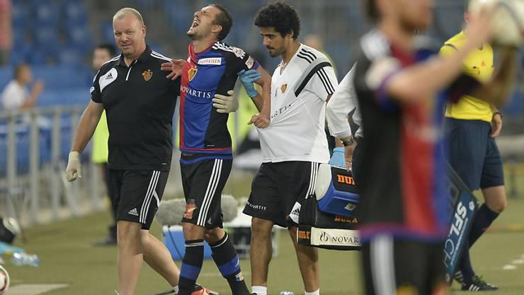 Der Basler Zdravko Kuzmanovic (27) beim Meisterschafsspiel zwischen Basel und Thun (3:1) mit schmerzverzerrtem Gesicht