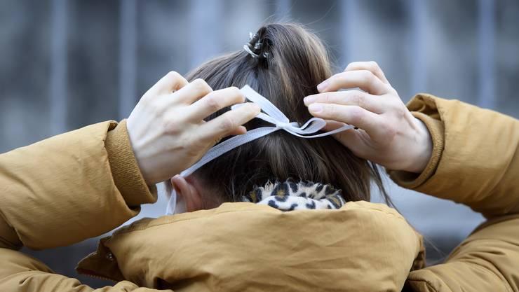 Was in den asiatischen Ländern bereits zum Stadtbild gehört, könnte bald auch hierzulande eingeführt werden: Das Tragen von Masken.