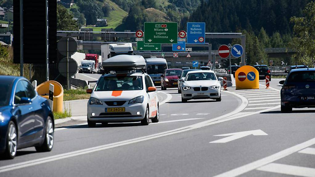Stau am Gotthard-Tunnel (Symbolbild)