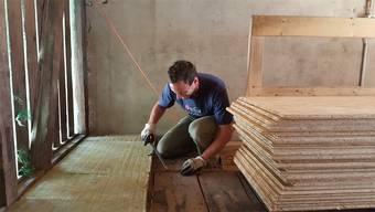 Freiwillige Helfer bauten abends und an den Wochenenden die Weltenbummler-Bar Trotamundos um.