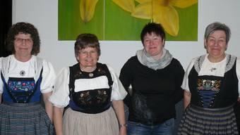 Die einen gehen, die anderen kommen: Agnes Rohrer, Sektionspräsidentin Elisabeth Heiniger, Conny Schmid-Gürber, Evi Kuhn (von links). hw