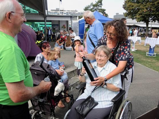 Über 4000 Leute kamen, um in Bad Zurzach Papa Molls 66. Geburtstag zu feiern.