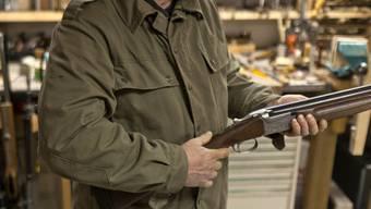 Mit einem Jagdgewehr klärte der Schütze den Nachbarschaftsstreit (Symbolbild)