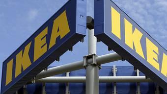 IKEA legt in der Schweiz online rasant zu, verkaufte im letzten Geschäftsjahr aber weniger in den Filialen.