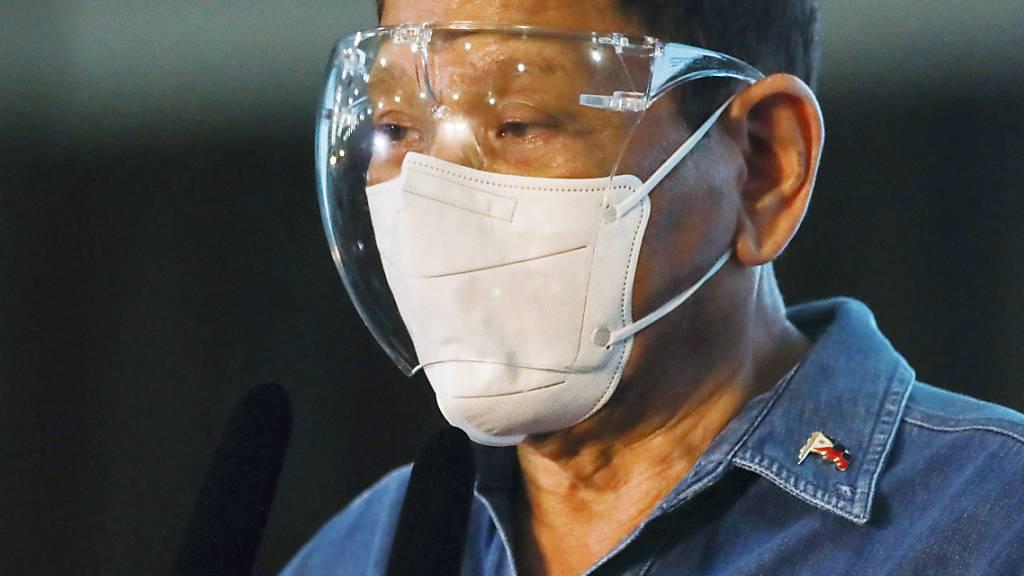 Philippinen-Präsident rät zur Impfung im Schlaf - «nur ein Scherz»