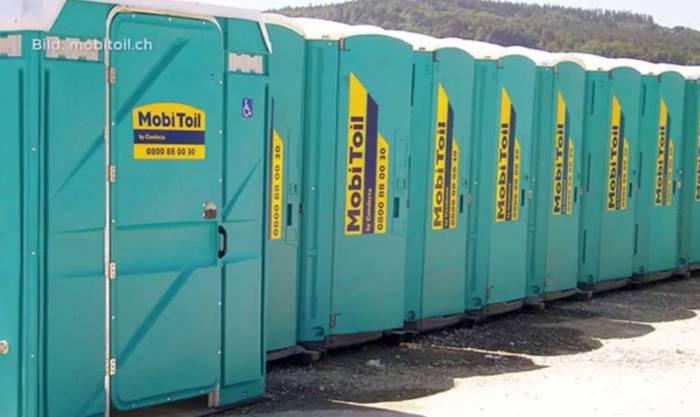 Die Firma Mobi Toil lieferte die Toiletten für das Open Air Etziken.