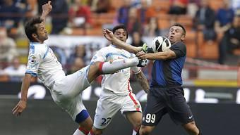 Inters 1:0-Schütze Cassano (rechts) im Zweikampf mit Legrottaglie